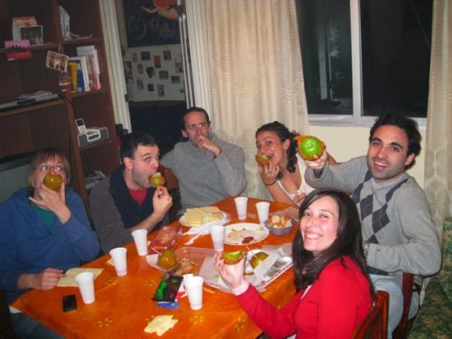 Laura, Pablo, Arturo, me, Enrique, and Maria eating caramel apples for dessert after our delicious Thanksgiving feast!! yes, I cooked Thanksgiving dinner for my friends in Spain. And yes, it was awesome ;)